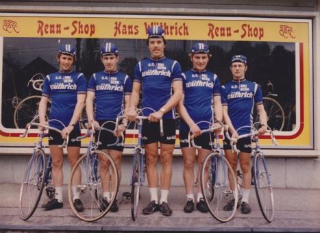 00-GS Vintage 1977 Teamfoto